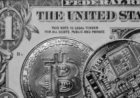 Why This Finance Author Advocates Bitcoin Over Gold and Real Estate